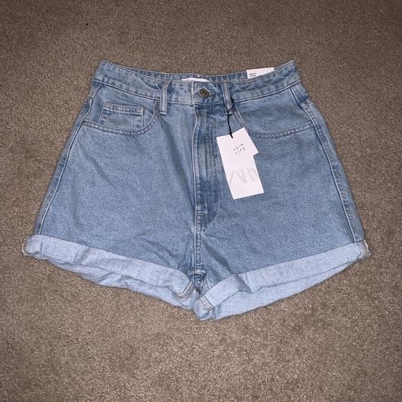 Zara Pants - Mom-Jeans Denim Shorts